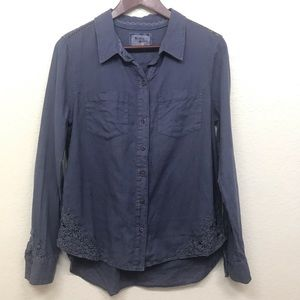 Anthropologie Tops - Anthro holding horses long sleeve button down 10